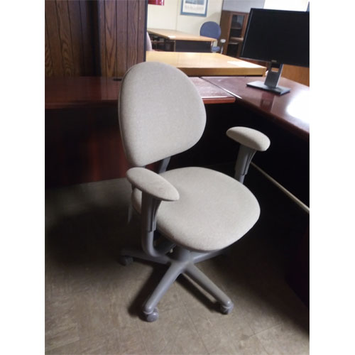 <br><b>Used Office Chair</b><br>Steelcase Criterion<br>$150