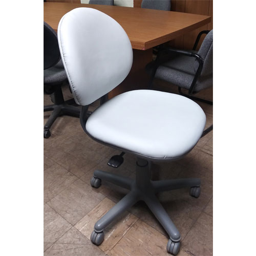 <br><b>Used Office Chair</b><br>Steelcase Criterion<br>$125