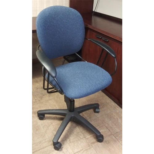 <br><b>Used Office Chair</b><br>Steelcase Uno<br>$125