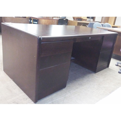 <br><b>Refurbished Desk Set</b><br>Arnold<br>$1500