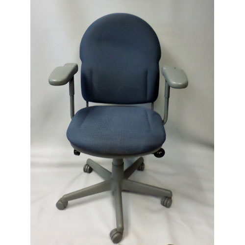 <br><b>Used Office Chair</b><br>Steelcase Turnstone<br>$95