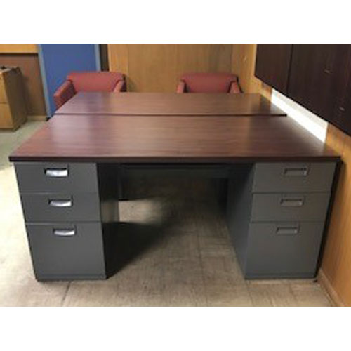 <br><b>Refurbished Desk</b><br>Steelcase<br>$495