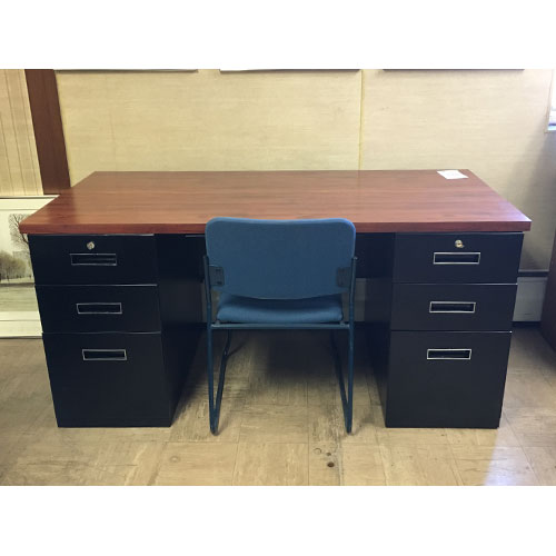 <br><b>Refurbished Office Desk</b><br>Steelcase<br>$495